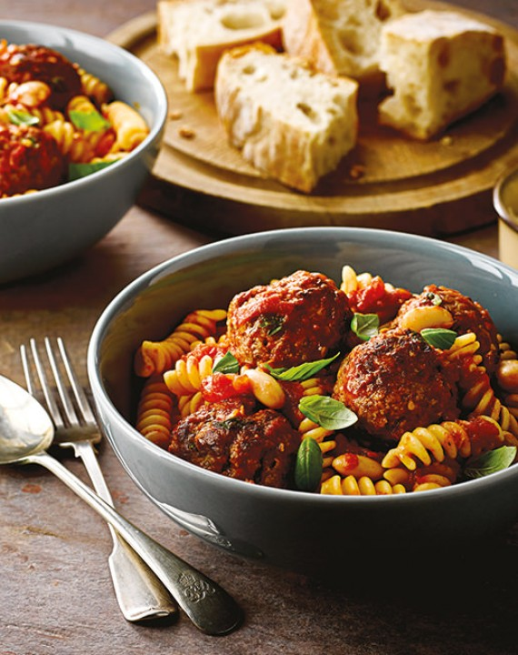 Turkey Meatballs with Fresh Tomato Sauce and Pasta