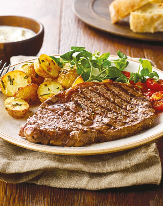 Steak with Baby Roast Potatoes and Soured Cream